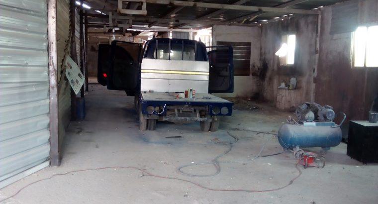 للبيع هنجر صيانة عامه للسيارات حرة الزرقاء للبيع