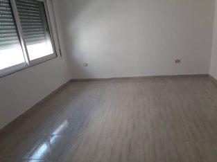 شقة فاغرة للايجار في ضاحية الامير حسن